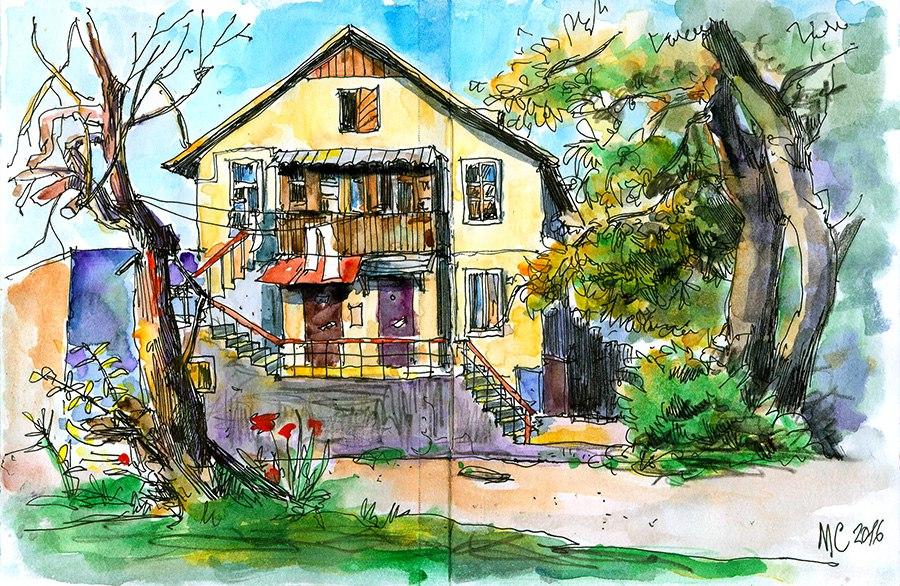Севастопольский закоулок с домом